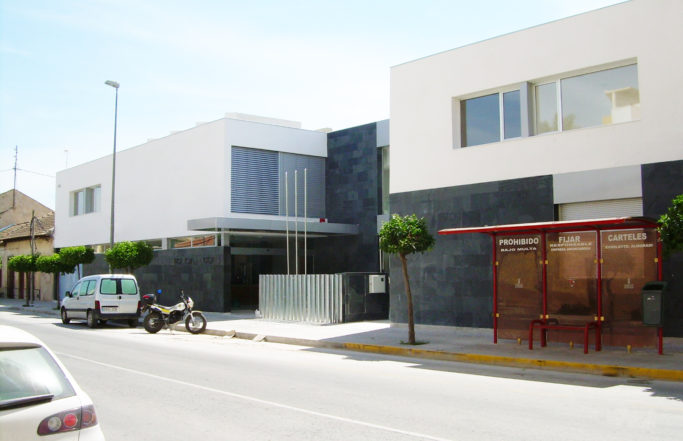 BÁSICO, EJECUCIÓN Y DIRECCIÓN DE OBRA DE DEPENDENCIAS MUNICIPALES PARA POLICIA LOCAL, AV. ORIHUELA, EN ALMORADÍ (Alicante)